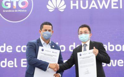 Firman convenio de colaboración Huawei y Guanajuato.